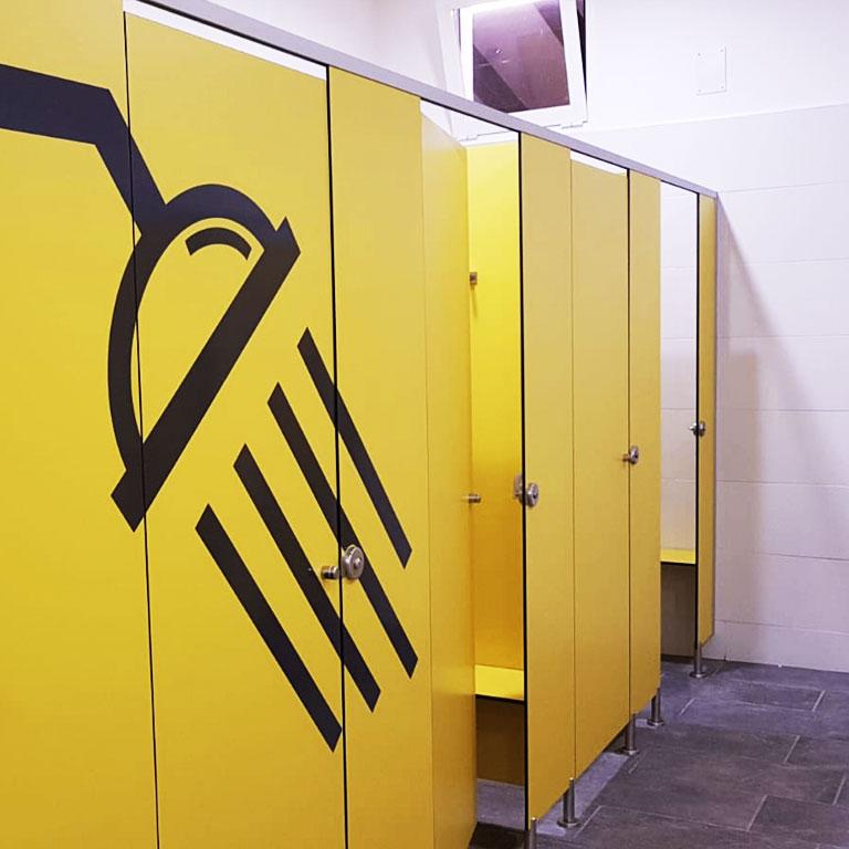 Cabinas sanitarias montadas por Meka3, mecanizados y soluciones