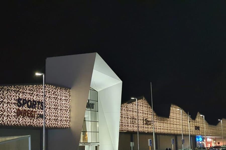 Cortes y mecanizados de meka3 en la nueva fachada de Parque Corredor