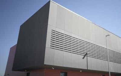Nuevo parque en Vicálvaro para Bomberos Madrid y SAMUR, hito en fachada ventilada
